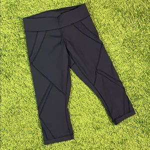 Lululemon Athletica Mesh Trim Capri Leggings 4